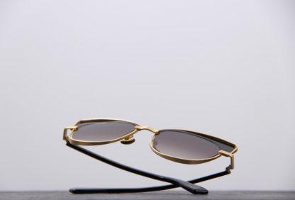 lunettes soleil dorées oliver goldsmith